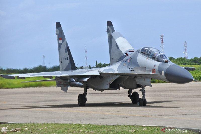 Kedatangan Pesawat Sukhoi Ke Kupang