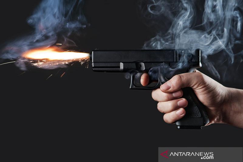Pistol penembak buronan legendaris Billy the Kid akan dilelang