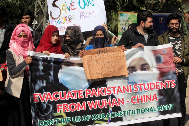 Dokter wafat, tenaga medis protes alat pelindung kurang di Pakistan