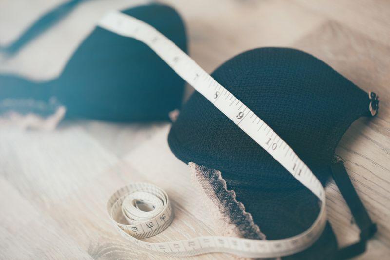 Benarkah payudara bisa kendur bila tak pakai bra selama WFH?