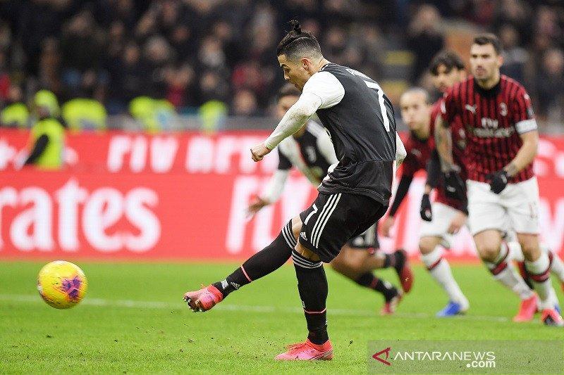Juventus butuh kartu merah dan penalti untuk imbangi Milan 1-1