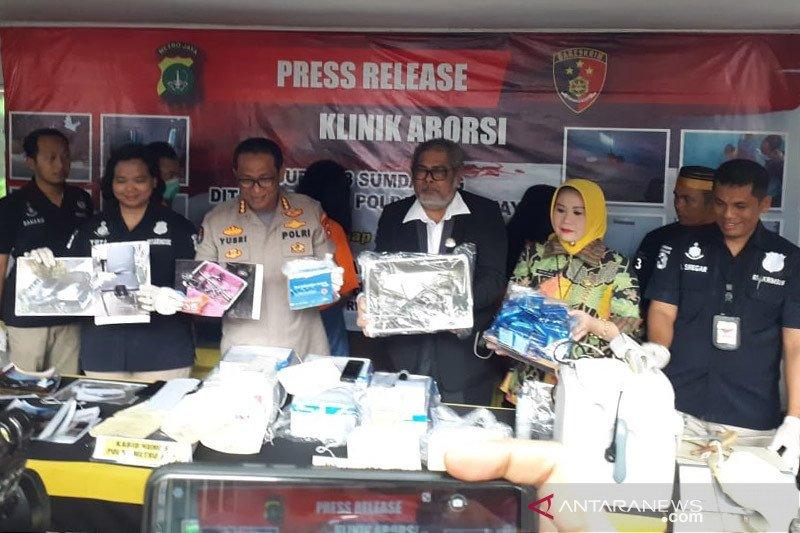 Polisi bongkar klinik aborsi yang diduga buang 903 janin ke septik tank