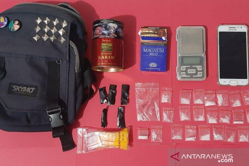 Polres Cianjur tangkap pemilik 24 paket sabu-sabu 8,20 gram