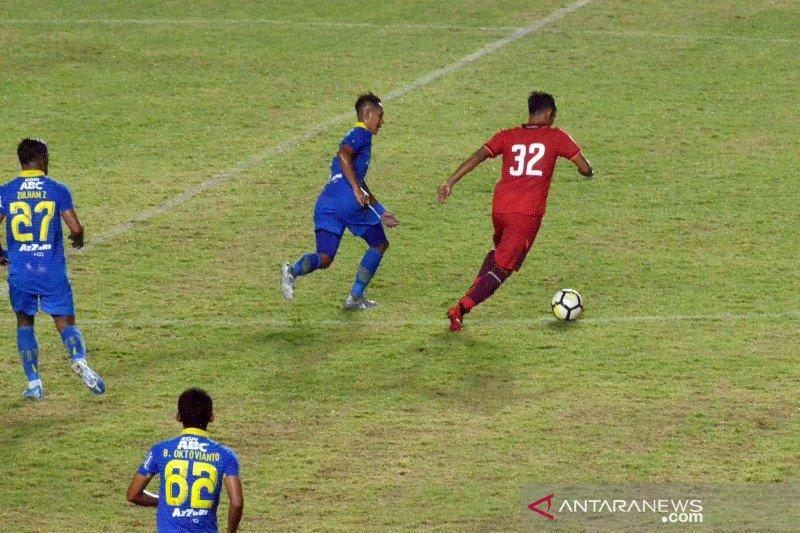 Persib tundukkan Persis Solo 2-0 di laga persahabatan