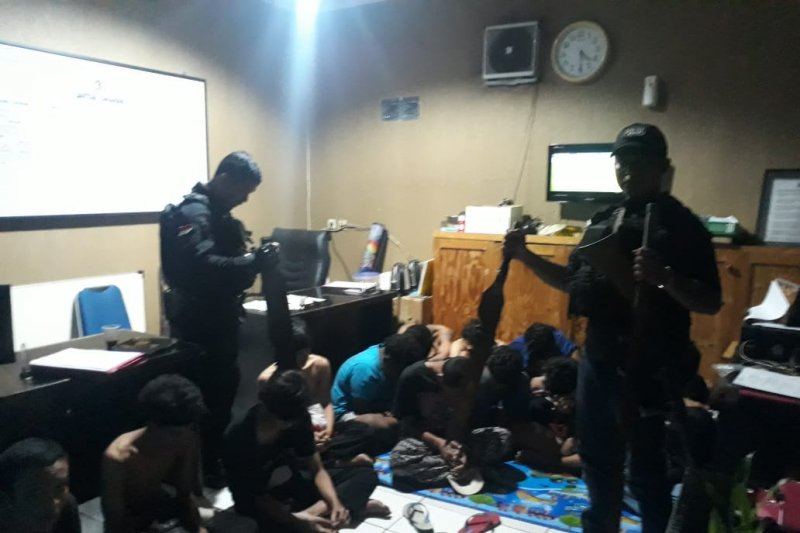 Hendak tawuran, Puluhan pemuda diduga anggota gangster diciduk polisi