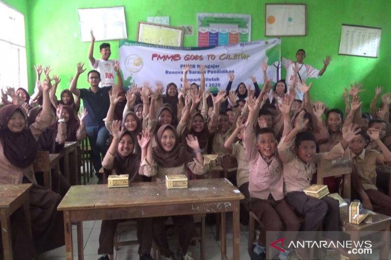 Pelajar SD di kawasan Geopark Ciletuh Palabuhanratu kampanyekan perilaku antisampah plastik