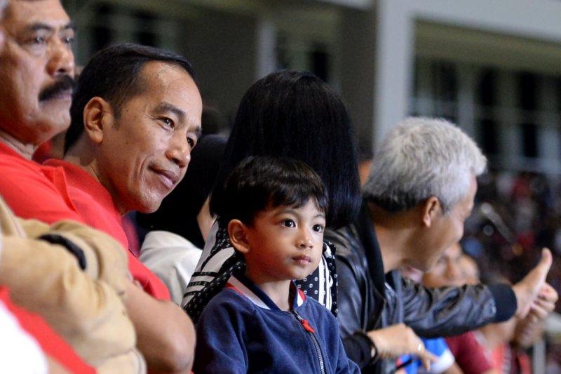 Presiden Jokowi berharap stadion Manahanbisa jadi tuan rumah Piala Dunia U20