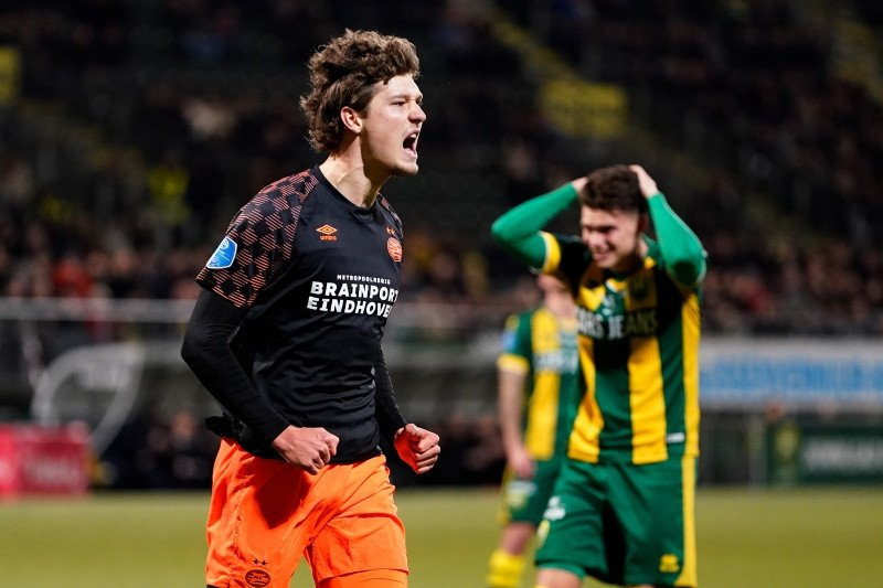 PSV pecundangi ADO  skor 3-0 untuk naik posisi tiga