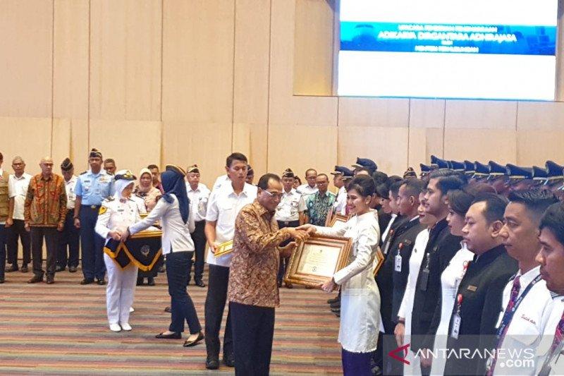 Pilot dan kru Batik Air peroleh penghargaan