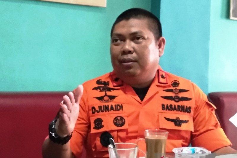 Tim SAR evakuasi mayat tanpa identitas di Perairan Majene Sulbar