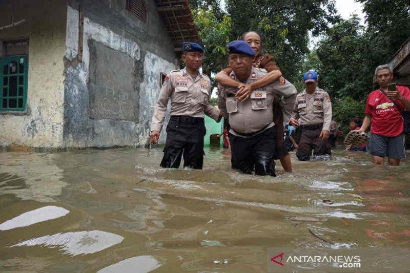 Lebih dari 2.000 rumah warga di Cirebon kebanjiran
