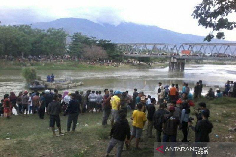 Perburuan buaya berkalung ban di Palu terus dilanjutkan