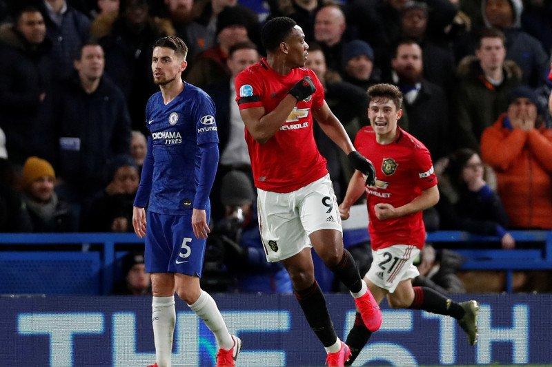 MU kalahkan Chelsea di Stamford Bridge 2-0