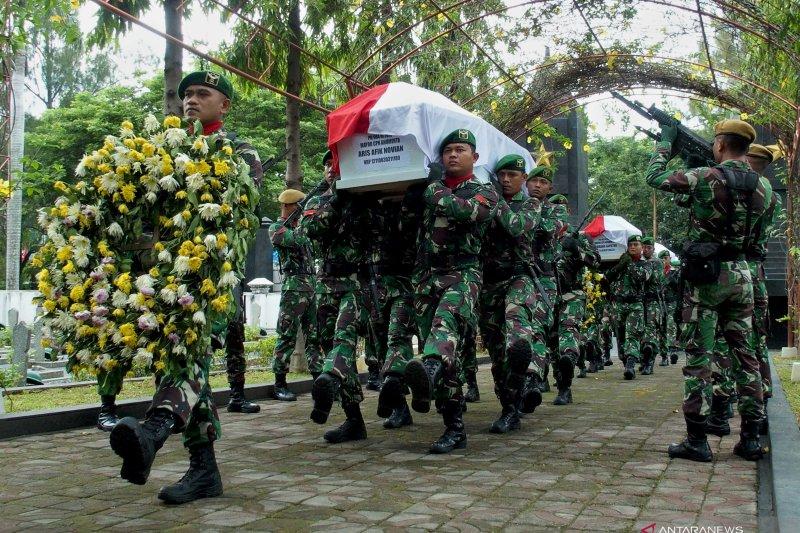 Warga diminta serahkan senpi anggota TNI yang jadi korban kecelakaan helikopter MI-17
