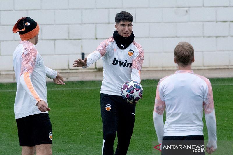 Valencia ajukan protes ke UEFA soal lapangan San Siro