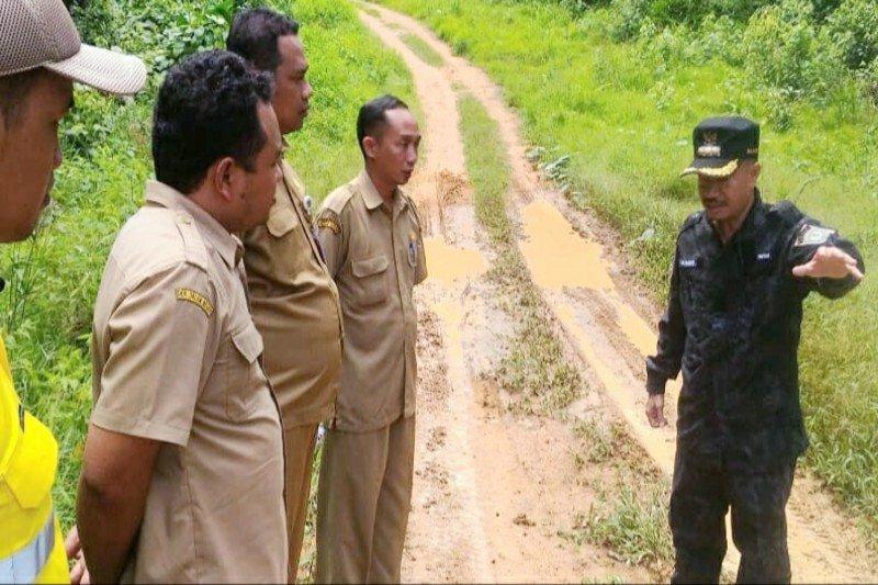 Yulhaidir tinjau sejumlah jalan di Kecamatan Seruyan Hulu