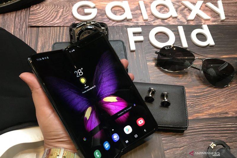 Benarkah Galaxy Fold 2 adalah hasil desain ulang?