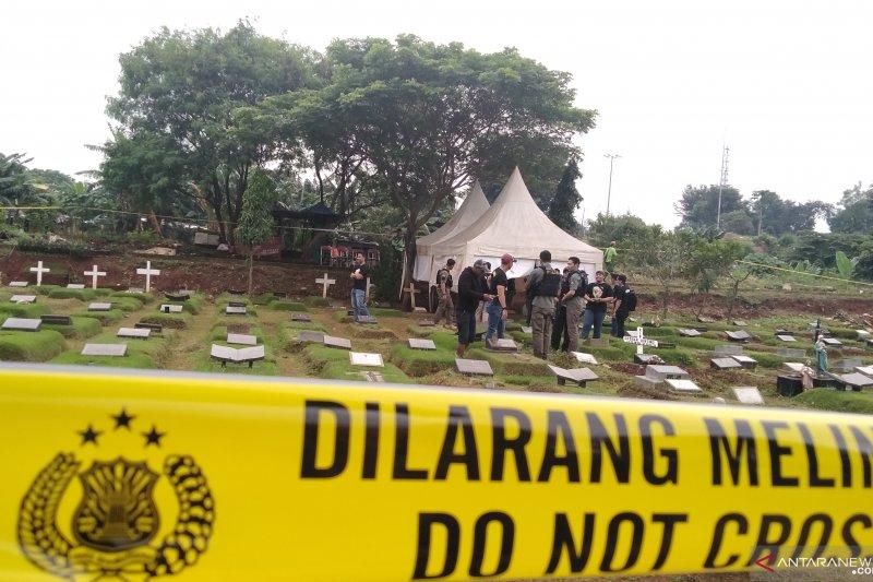 """Makam putri Karen """"Idol"""" dibongkar hari ini untuk autopsi"""