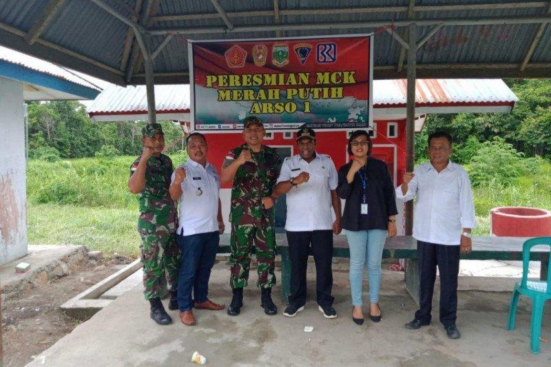 Wakil Bupati Keerom resmikan MCK yang dibangun TNI di Arso