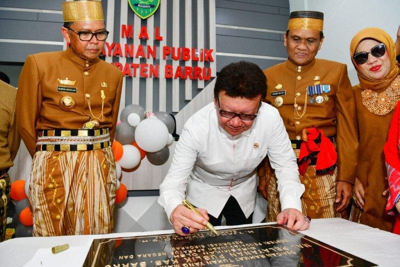 Menpan-RB resmikan Mal Pelayanan Publik  di Barru