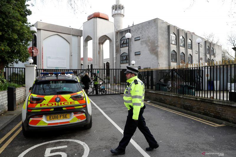 Penusuk bilal masjid di London akan ditahan di Pengadilan Westminster