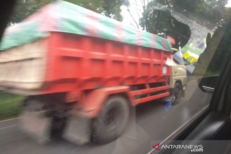 Pokdarwis Kaliurang : truk pengangkut pasir seharusnya tidak lewat jalur wisata