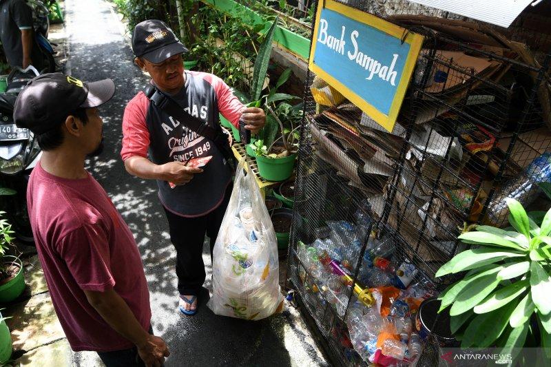 Startup sampah digital asal Bandung mampu daur ulang capai tiga ton sampah