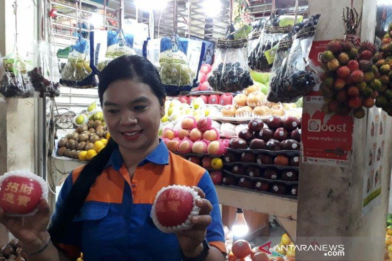 Isu pembatasan impor, harga buah lokal di Solo naikk