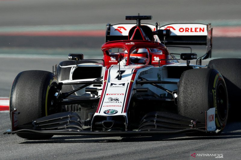 Kimi Raikkonen tercepat di hari kedua tes Barcelona