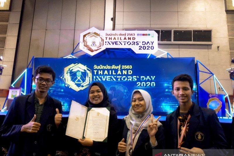 Mahasiswa Indonesia raih medali di Thailand berkat pengaman mobil rental