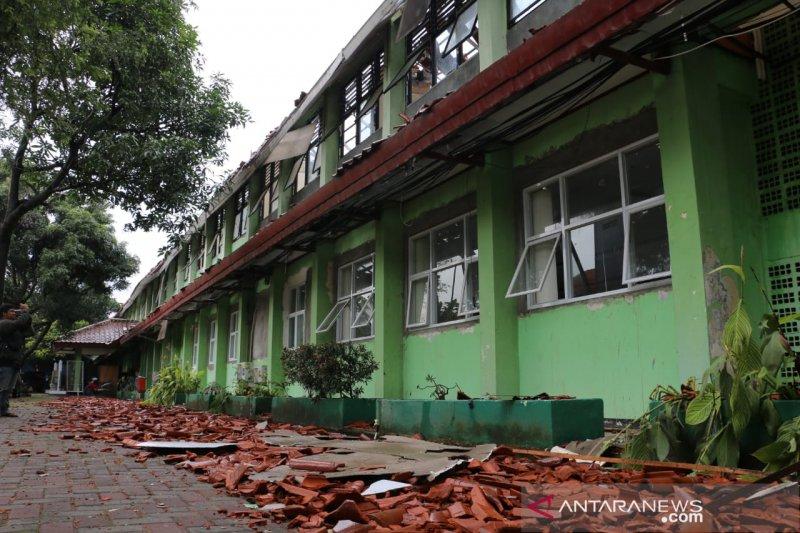 Pemerintah gandeng Kepolisian bila kontraktor tak perbaiki sekolah ambruk