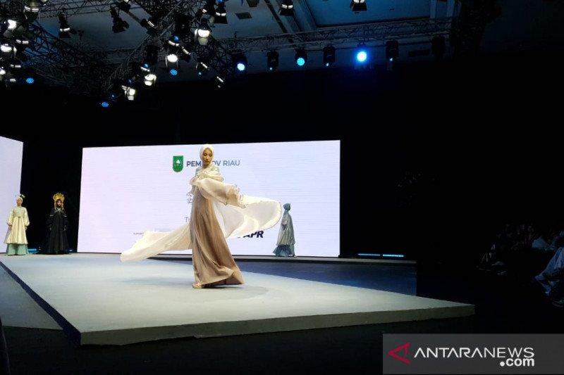 "Video - APR dukung industri fesyen Riau, karya dua desainer lokal ""warnai"" Muffest 2020"
