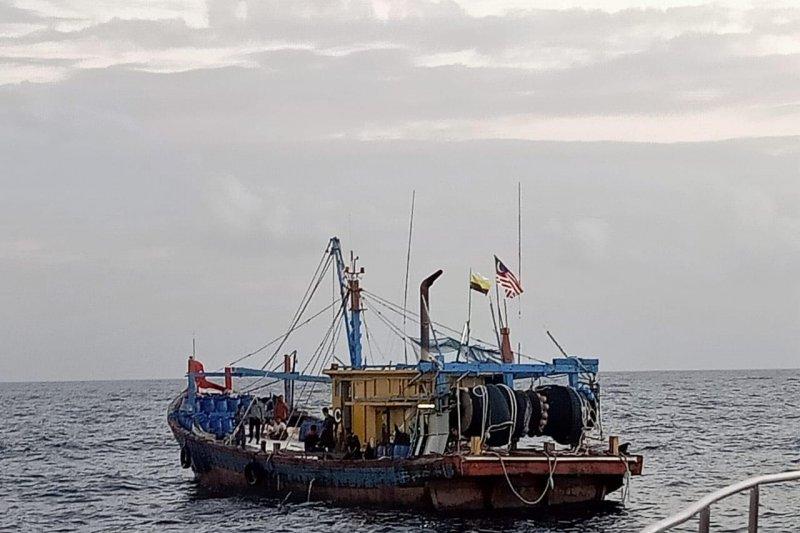 Kapal asing ilegal ditangkap di Selat Malaka