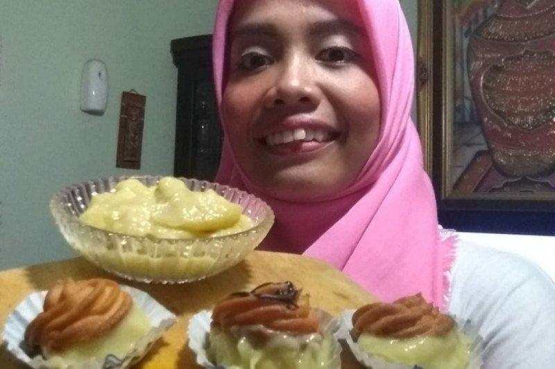 Kreasi kue sus isi durian UMKM Lampung