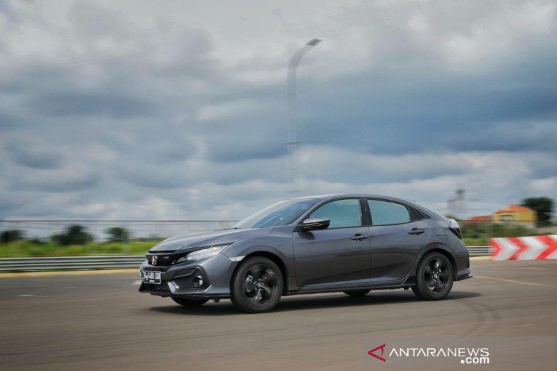 Honda Civic Hatcback RS uji berkendara Jakarta-Tangerang