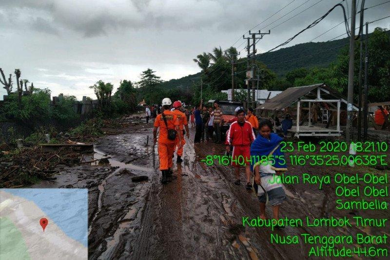 Tanggul jebol, banjir bandang terjang Sambelia Lombok Timur