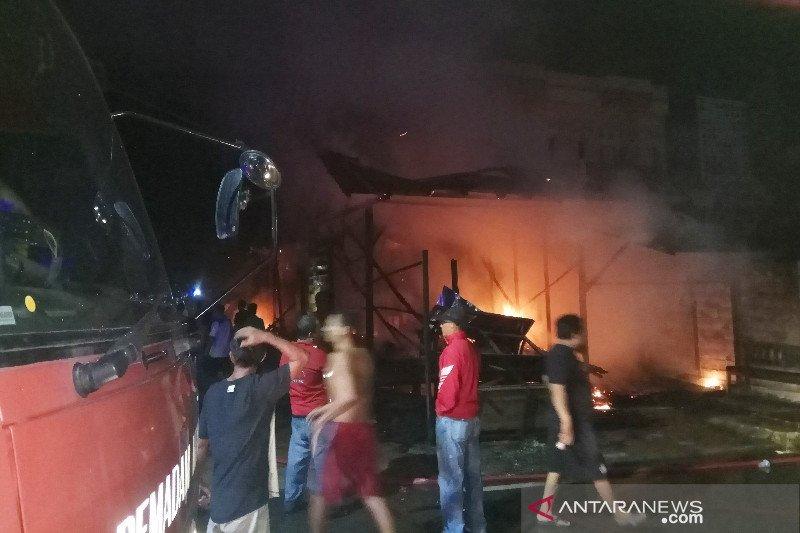 Kebakaran di Buntok hanguskan empat bangunan