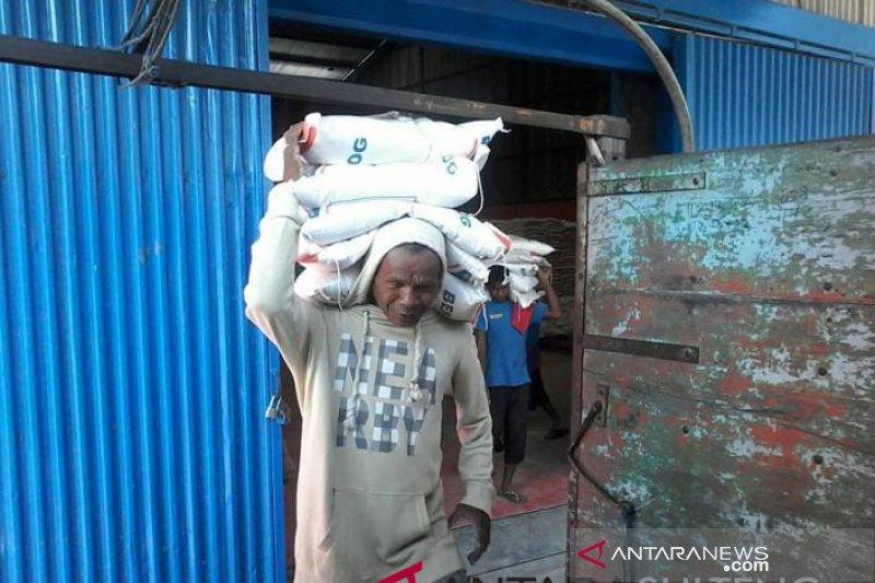 Pasokan beras di Palu masih lancar meskipun belum puncak panen padi
