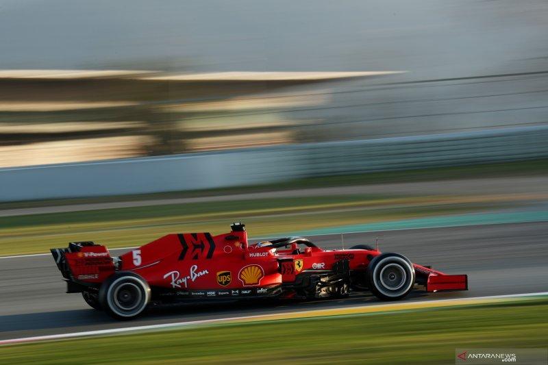 Mercedes curigai Ferrari miliki mobil yang lebih cepat