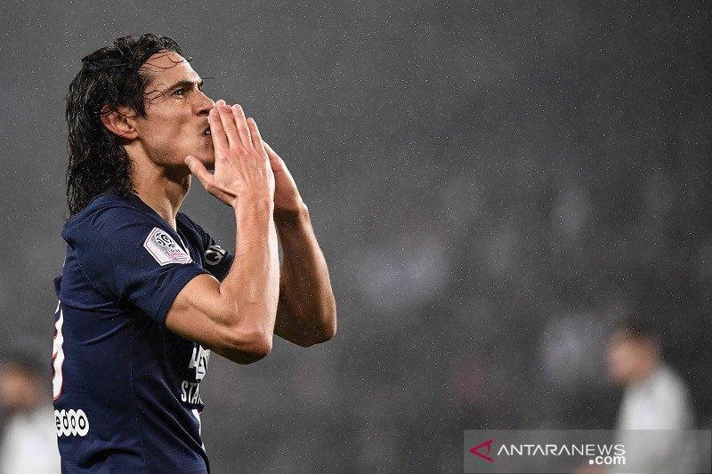 Kemenangan PSG atas Bordeaux diwarnai gol ke-200 Cavani