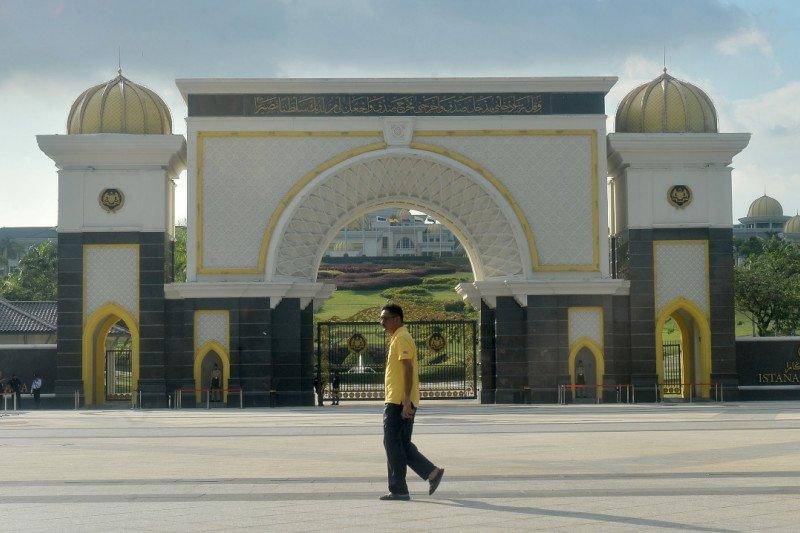 Raja Malaysia minta Mahathir Mohammad jabat sebagai PM sementara