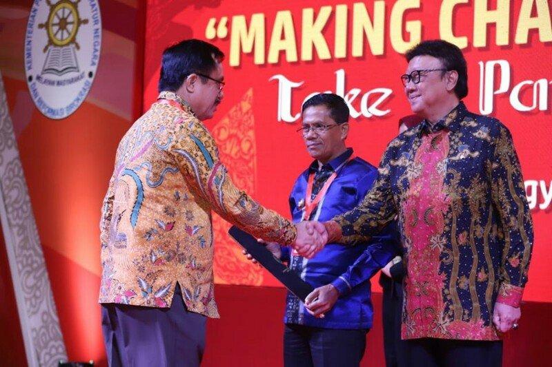 Pemkab Poso raih penghargaan Sakip Award 2019 Kategori B