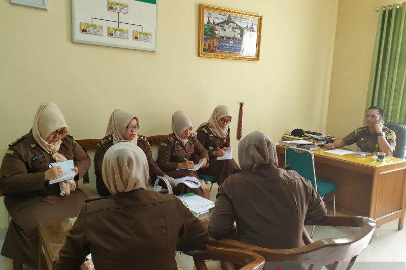 Program KMK di Padang macet Rp9,9 miliar, Kejari kerahkan 20 jaksa pengacara negara