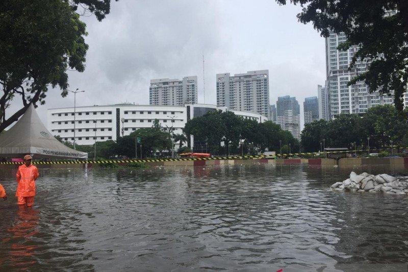 Underpass Kemayoran tenggelam sampai 7 meter