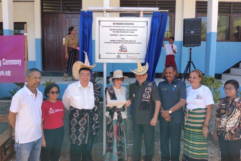 TX Foundation minta lembaga pendidikan di Kupang tingkatkan prestasi