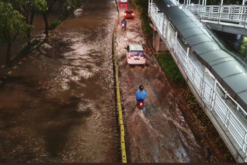 Sebagian Kota Jakarta dikepung banjir