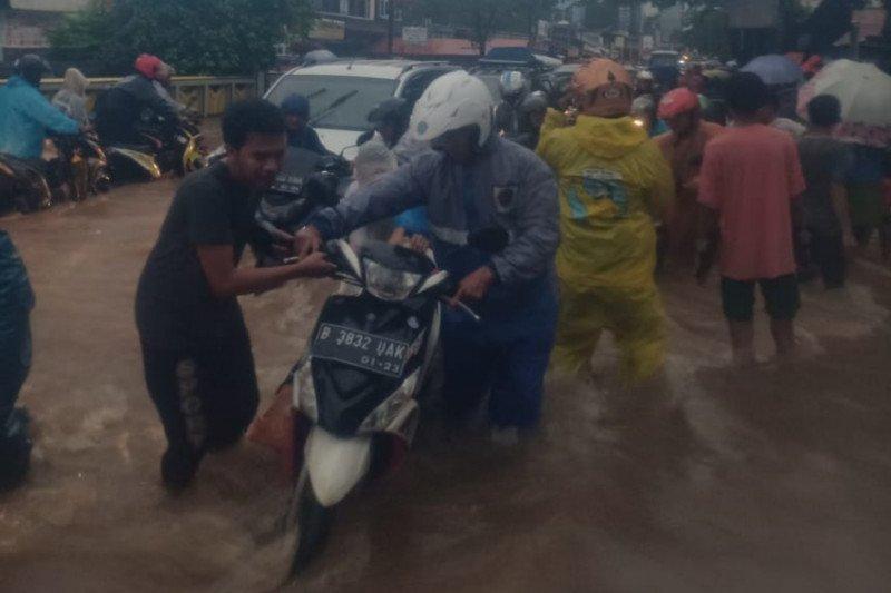 30 ruas jalan di Jakarta Timur terendam banjir