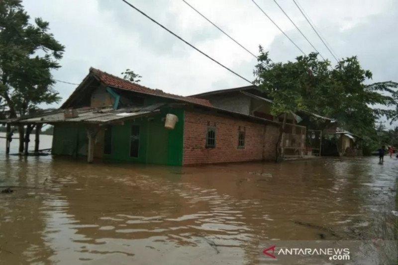 14 kecamatan di Karawang terendam banjir