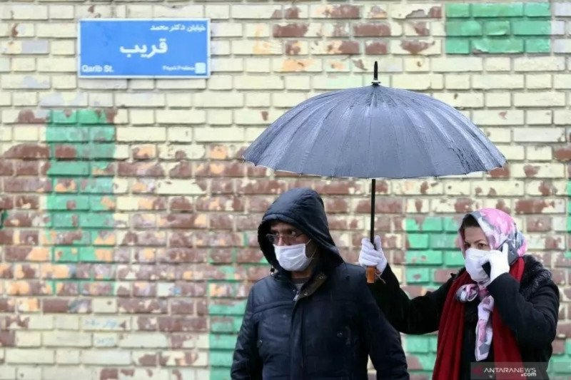 Warga China positif corona setelah pulang dari Iran