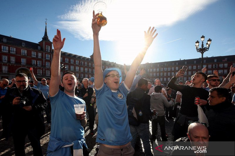 Penonton final Piala Liga Inggris harus tiga kali tes  COVID-19